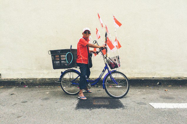 Visiting Singapore soon? Take a moment to soak in the everydaylife in this bustling city: