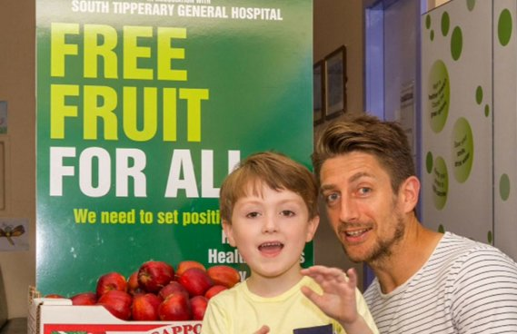 Great story about getting free fruit available in hospitals via @foodrev https://t.co/S8zvmS5ttI #foodrevolution https://t.co/S6qD1Ymiug
