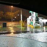 Inundación en lateral de Periférico y Camino a las Cañadas, cerrado el retorno suprimido #ReporteZMG https://t.co/IAvyL909r0