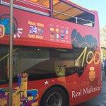 . @cityssworldwide Palma luce los colores del @centenari_rcdm en sus buses https://t.co/xdUXzocNfR