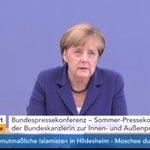 Terroristen stellen Hass & Angst zwis. Kulturen & Religionen. Wir stellen uns entschieden entgegen #Merkel #BPK https://t.co/PZUnlLRZW8