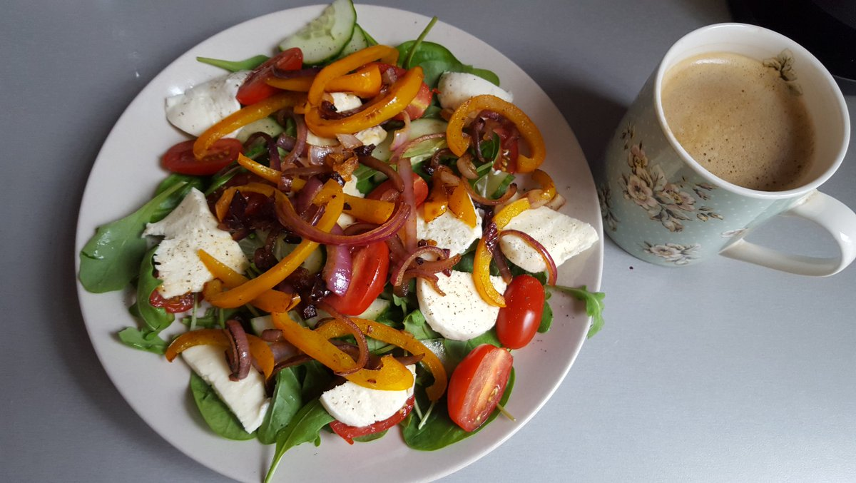Hoping a #HanneCafe lunch can cheer me up #BonAppetit LbmPuV0i7y