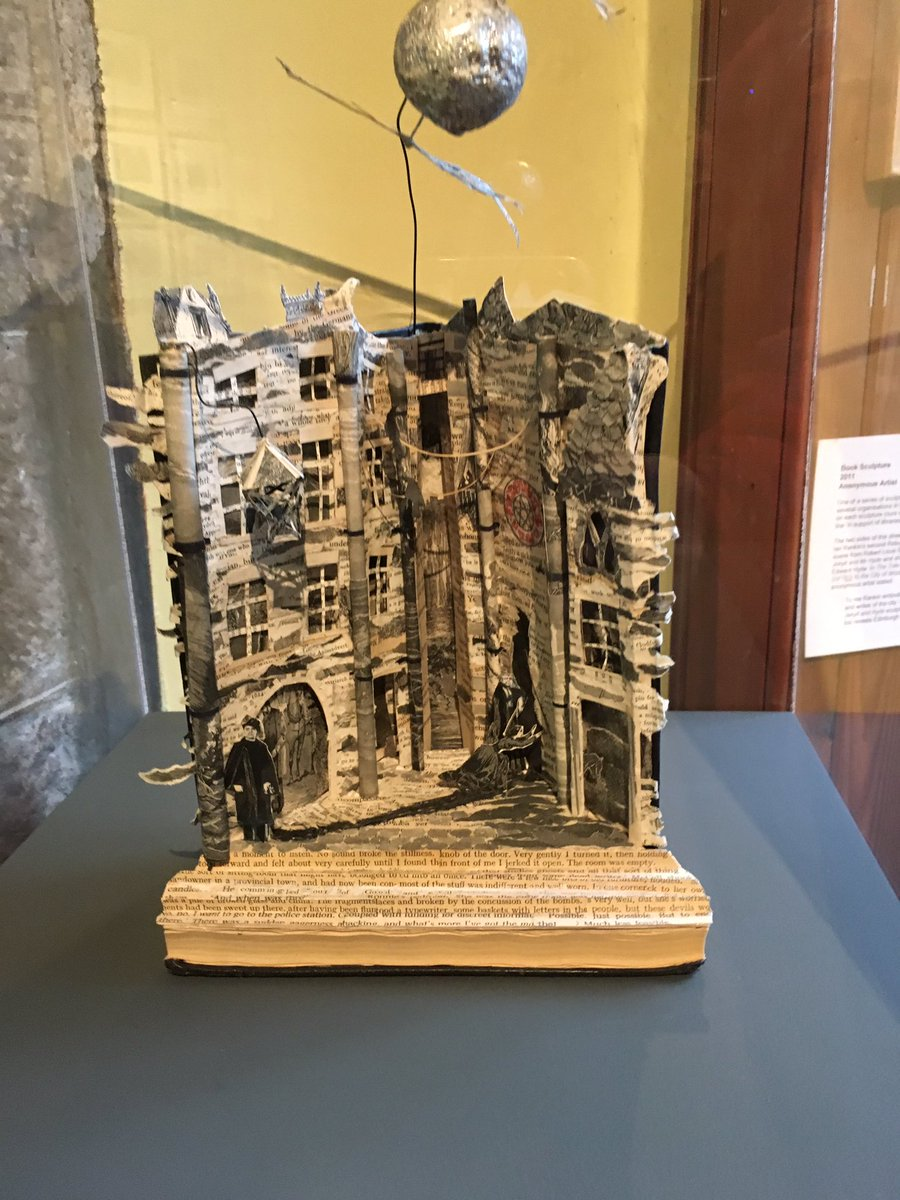 I did find evidence of @Beathhigh in the Edinburgh Writer's Museum. Someone turned his book into a sculpture https://t.co/umjjTHq2VZ