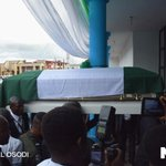 Tears in Delta as Stephen Keshis corpse arrives (photos) https://t.co/FeheGNDKPC https://t.co/aqjVyxNv3F