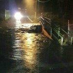 A consecuencia de las #LluviasGdl, dos vehículos cayeron al agua en Zapopan https://t.co/7D82vNCkhW https://t.co/9bUE4r3V5d