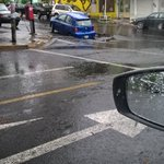 @Trafico_ZMG vehículo tragado por la tierra paseo de la selva y julian carrillo aseguradora en el lugar https://t.co/fkoJph4flJ