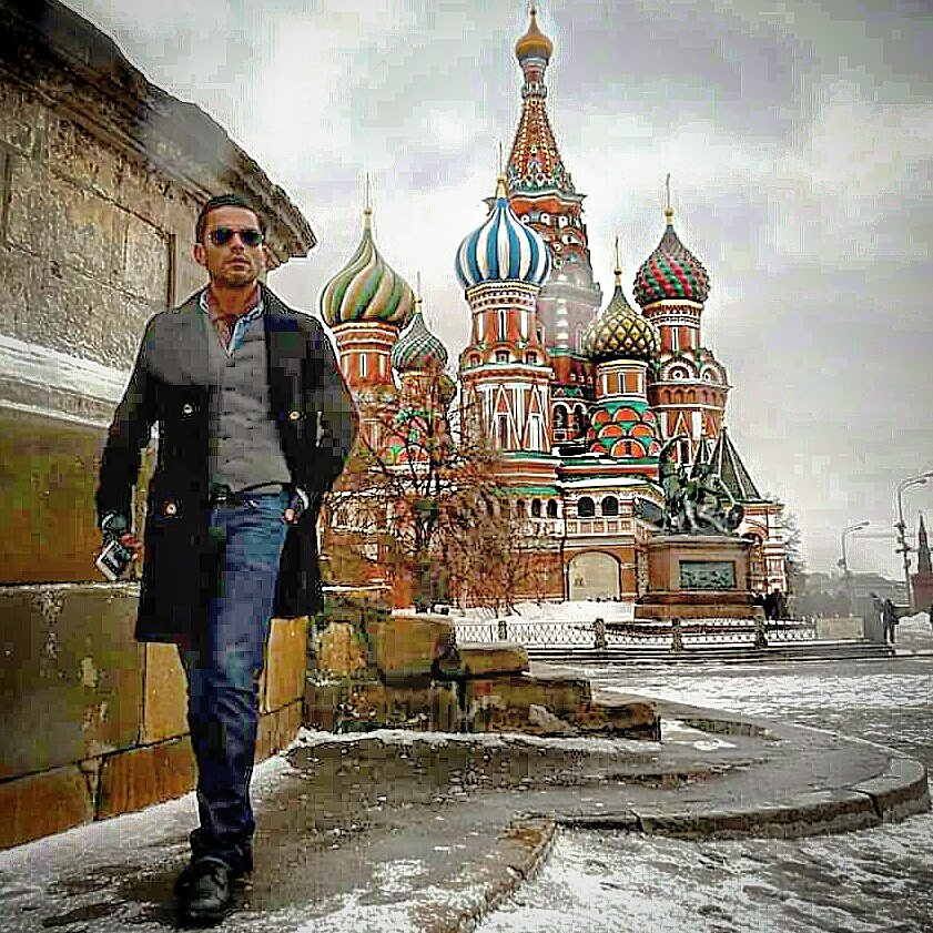 THROWBACK THURSDAY! When in #Moscow #Russia #RedSquare #saintbasilcathedral