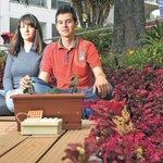 Estudiantes colombianos crean materas que se convierten en cargadores de celulares https://t.co/ZkzUdZ1TCd https://t.co/FpndWQLT1o