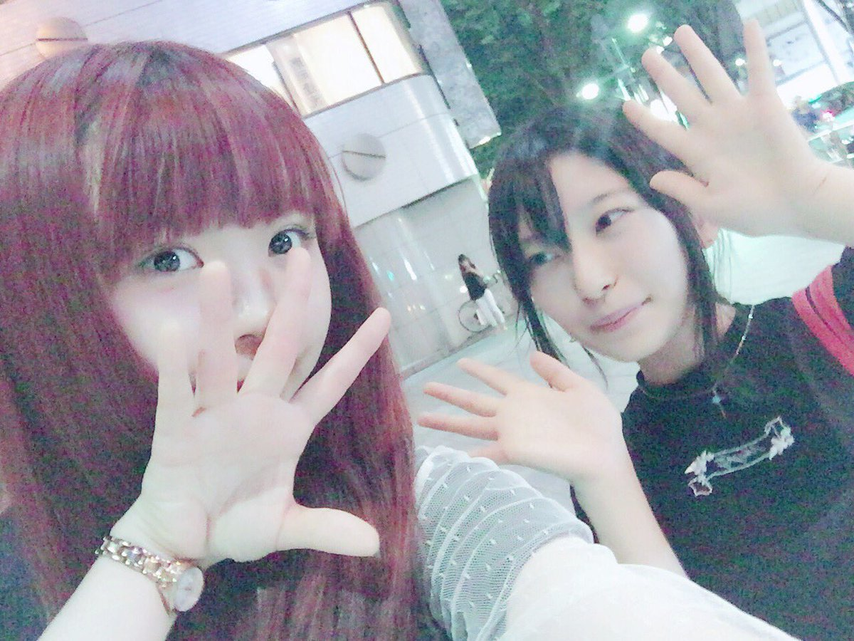久々なさゆりちゃんとご飯した△ ぼく大阪さゆりちゃん東京なので プライベートで会うの約1年半ぶり…?…
