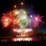 Wow! Australia rocked last nights #CelebOfLight fireworks! Photos/videos: https://t.co/kt0c1aKyrN #Vancouver https://t.co/sInvsoAEqQ