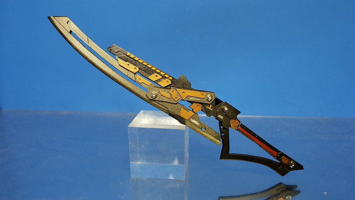 オリジナル変形武器〈アスタレイア〉完成大剣×レールガン×大斧に三段変形。初めての試みとして刀身スライドギミックを導入。自