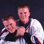 THIS DATE IN 1999: @VanCanucks signed Daniel/Henrik Sedin to their first NHL contracts. https://t.co/TK8yPHfrnr #TBT https://t.co/iOxhzBWbHw