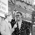 #tbt Talking to Eddie Murphy at the world premiere of my 1st film, #PeeweesBigAdventure! This week in 1985! https://t.co/O6vgRx7kdV