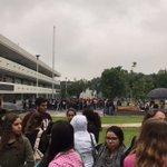 #AlMomento Desalojan @UAG_Oficial como medida preventiva tras #SISMO en la #ZMG. https://t.co/y1QoSWfj9T