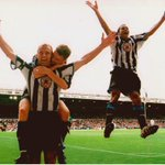 Throwback to 1999 where Shearer scored two goals in 12 minutes v Leeds. What a great picture. #NUFC https://t.co/DhoaiQff2J