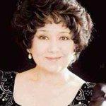 【訃報】ピアニストの中村紘子さん死去 72歳 https://t.co/IcKjgPZxFA 大腸がんのため都内の自宅で死去した。亡くなる前日が誕生日で、新しい奏法を試すのだと、最期までピアノに情熱を燃やしていたという。 https://t.co/qaqC8aDeyw