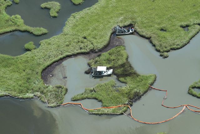 Our pics from the Hillcorp Energy pipeline spill in Barataria Bay. RT to hold the oil and gas industry accountable! https://t.co/ewE2VfsAWN