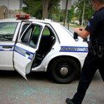 #NEW: Teen, already on home detention, kicks out Dayton police cruiser window. https://t.co/3kP1nPyhrq https://t.co/qJfLBJEhdl