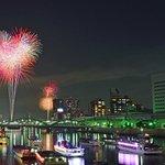隅田川花火大会が明日開催 - 約20,000発の大輪の花が東京の下町に咲き誇る https://t.co/b122bAJ7lh https://t.co/u7XA66gpOr