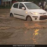 #Gurugram #InPics: Traffic stands still in Gurgaon, especially Hero Honda Chowk WhatsApp images/videos to 8377088377 https://t.co/8dlXdjyGcE