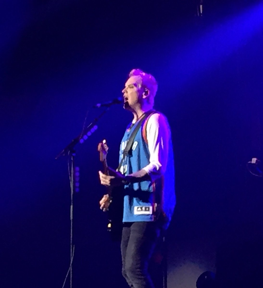 Matt Skiba from Blink-182 is rocking the blue OKC Thunder jersey! https://t.co/aFwkuBQh4I