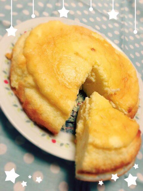 スフレチーズケーキ作ったです。  柔らかいチーズケーキはやっぱり美味しい^ ^ 自分へのご褒美です。…
