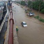 Massive six-hour long jams bring Gurgaon to standstill, traffic crawls through waterlogged roads #HighwayToHell https://t.co/9Bl5PjHPkJ