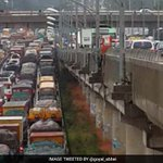 Bengaluru grappling with water-logged streets, massive traffic jams due to heavy rain @blrcitytraffic @DCPTrEastBCP https://t.co/gQl5GnIayD