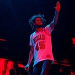J. Cole performing at Lollapalooza 2016. https://t.co/V8mOkaBTgo