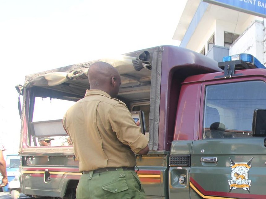 AP inspector transporting Sh2 million sandalwood in official car nabbed at Samburu