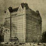 The Plaza Hotel, 1907. The first fleet of motorized taxis debuted the same day the hotel opened #NYC #history https://t.co/WgS5SWPZpy
