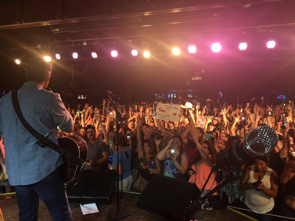 My view @TheGrizzlyRose with @blakeshelton in #Denver!