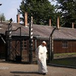 Pope Francis, visiting Auschwitz, prays in silence and asks for Gods mercy. https://t.co/gAxct6S3eJ https://t.co/e31YWW4P1d