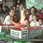 ¡NO HAY HARINA NI HUEVOS PERO…! Esta es la millonaria torta que le picaron a Hugo Chávez https://t.co/v4TuI5WTAh https://t.co/xBMBN8FD9i
