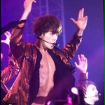 160729 [PREVIEW] BAEKHYUN #EXOrDIUMinSeoulDay4 🔥 (OMG! hot byun baekhyun in the house!!) cr. breathtaking https://t.co/6kXduG1aGy
