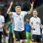 Thanx for all. You are a legend. #diemannschaft #schweinsteiger https://t.co/nmAgy9LpEW