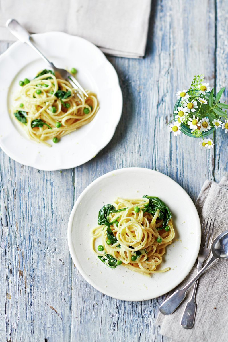 Try this veggie twist on the Italian classic carbonara https://t.co/v44ozVcG5i #meatfreeweek #recipeoftheday https://t.co/nAwBseT4pQ