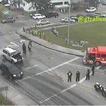Reporta @gtraficoattt: Se incendia vehículo en la Ave. Omar Torrijos frente al Rey. @tvnnoticias https://t.co/c1UxJhPeFi