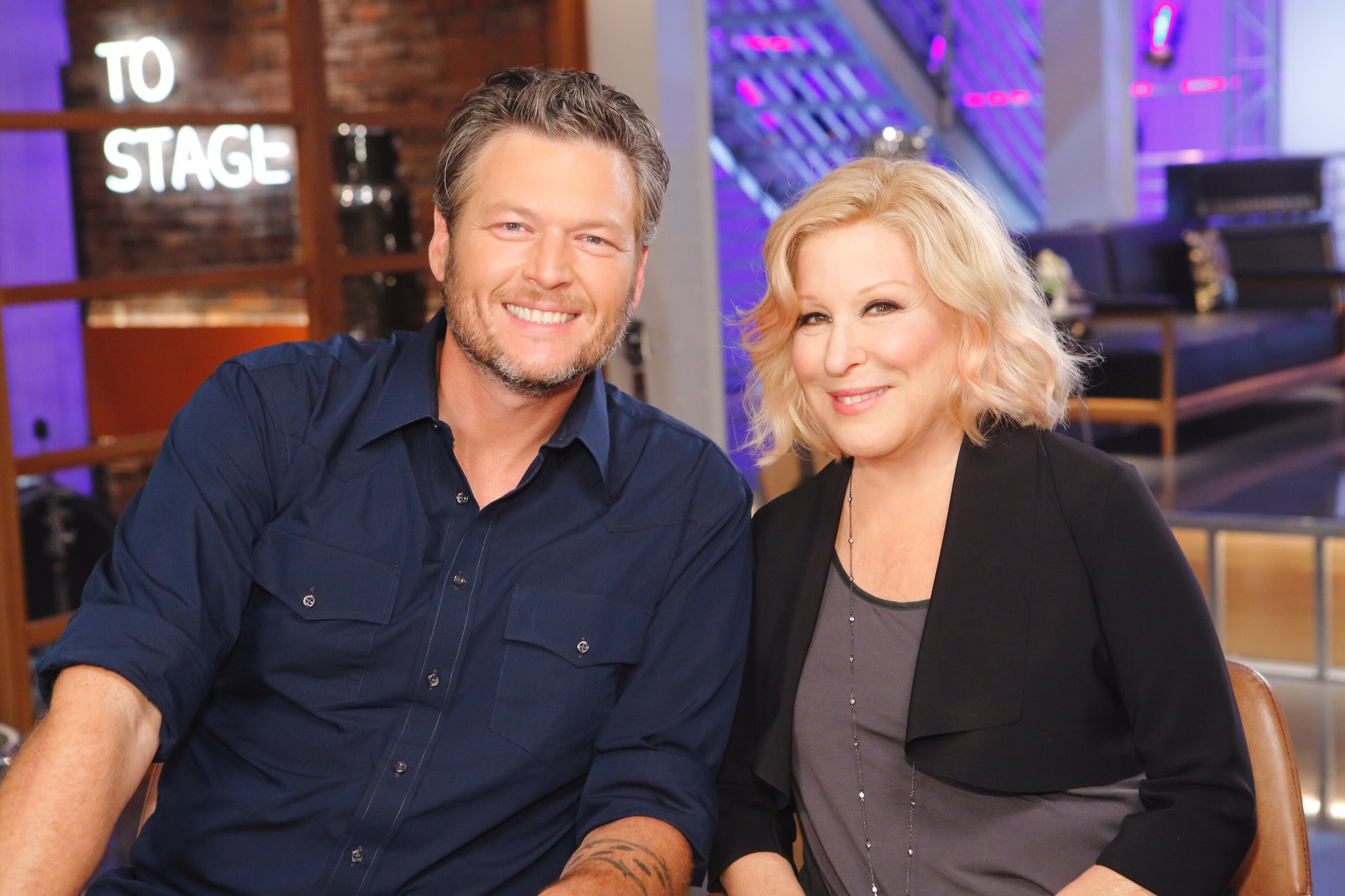 Finally got the picture!!!! Thank you @BetteMidler!!! #TeamBlake https://t.co/1MzUVJnxT6