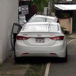 Miren quien da el ejemplo @ATTTPanama @BlandonJose @panamamunicipio @tdocabo @DOYCMUPA estacionamiento en acera!! https://t.co/RMlTthcwYt