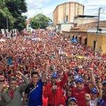 .@NicolasMaduro felicita al Táchira por su fuerza desplegada en la calle (+Tuit) https://t.co/6fn1AzUjEA https://t.co/SI4KuAA0Jf