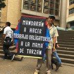 """Una de las protestas cívicas más hermosas de esta parte de nuestra historia el """"Sr del Papagayo"""" https://t.co/x8s2diqZa4"""