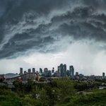 Crazy clouds over #yyc #calgary yesterday afternoon! @AlbertaWX @PrairieChasers @CTVdavidspence @NatGeo https://t.co/S2uR5JCWta