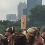 This is what makes festivals great #wiuxlolla https://t.co/1LYjGHQZuB