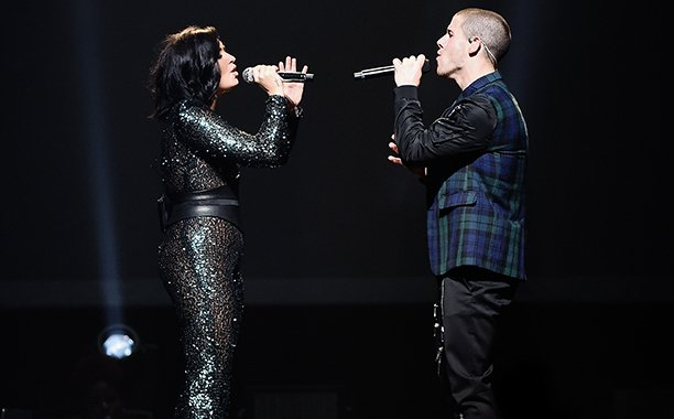 Nick Jonas and Demi Lovato send fans on a scavenger hunt for concert tickets: