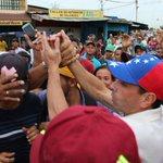 .@hcapriles cerró en Barcelona su jornada de hoy activando al pueblo por el Revocatorio #VzlaPorEl20 https://t.co/6aDK3Bw2Kl