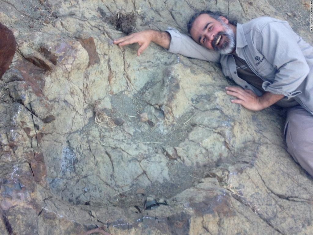 Record-setting footprint from a flesh-eating dinosaur discovered in South America