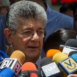 """""""TSJ ordenará la detención de diputados de Amazonas"""", advierte Ramos Allup https://t.co/Z54es6KoX3 https://t.co/yX94sCuIEJ"""