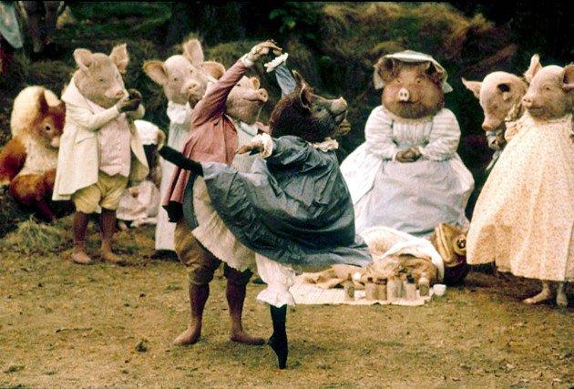 映画『ピーターラビットと仲間たち/ザ・バレエ』。出演は英国ロイヤルバレエ団。来月CLASKAで上映するらしい。イギリス映画界の美術さんの仕事、凄まじくレベルが違う。何気ないこの熟度はなんですか。 https://t.co/KwAlD988RP