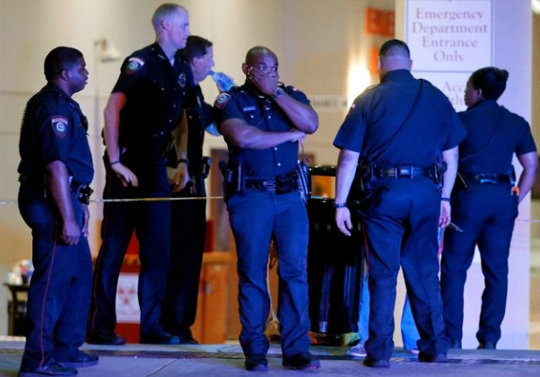 Deadly shootings of police officers up 79% this year over 2015 https://t.co/xOdxNekYH2 via @WSPA7 MADNESS https://t.co/1gcGbPdQRs